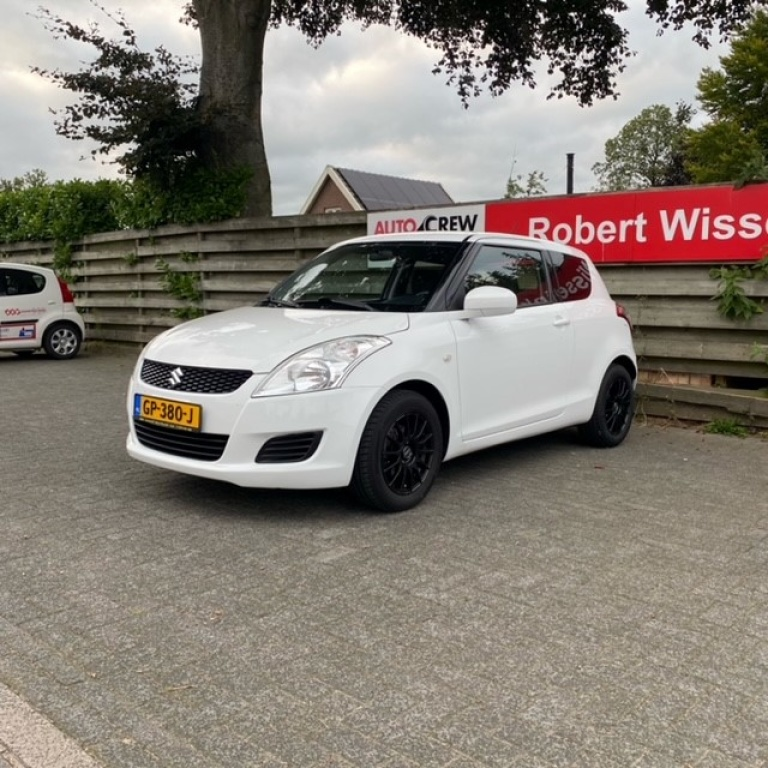 Suzuki-Swift-thumb